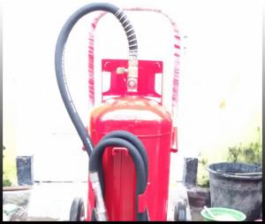 tabung pemadam kebakaran besar